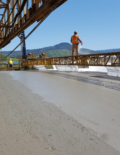 cement-machine-laying-road-ODOT-Oregon
